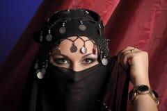 γυναίκα ύφους ανατολικού πορτρέτου Στοκ φωτογραφίες με δικαίωμα ελεύθερης χρήσης
