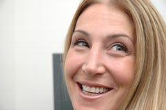 γυναίκα 2 γραφείων Στοκ εικόνα με δικαίωμα ελεύθερης χρήσης
