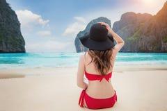 Γυναίκα bikini Στοκ φωτογραφίες με δικαίωμα ελεύθερης χρήσης