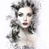 Γυναίκα Brunette με το σγουρό hairstyle Στοκ Εικόνες