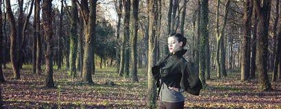 Γυναίκα Misteriouse. δραματικός κοιτάξτε Στοκ φωτογραφία με δικαίωμα ελεύθερης χρήσης