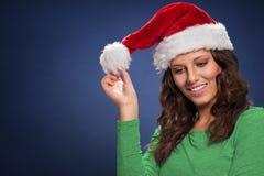 γυναίκα santa τσαντών santa καπέλων κοριτσιών Στοκ φωτογραφία με δικαίωμα ελεύθερης χρήσης