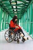 γυναίκες αναπηρικών καρ&epsilo Στοκ φωτογραφία με δικαίωμα ελεύθερης χρήσης