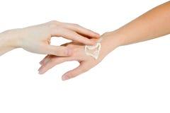 γυναίκες ανδρών χεριών Στοκ φωτογραφία με δικαίωμα ελεύθερης χρήσης