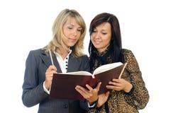 γυναίκες βιβλίων Στοκ Εικόνες