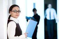 γυναίκες εγγράφου στοκ εικόνες με δικαίωμα ελεύθερης χρήσης