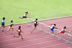 γυναίκες εμποδίων s 100m στοκ εικόνες