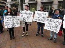 Γυναίκες ενάντια στο Ντόναλντ Τραμπ Στοκ Εικόνες