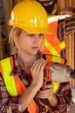 γυναίκες εργαζόμενος constru Στοκ εικόνες με δικαίωμα ελεύθερης χρήσης
