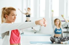 Γυναίκες ικανότητας στη γυμναστική Στοκ Εικόνα