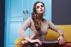 Γυναίκες που ντύνουν makeup το ύφος μόδας συλλογής καταλόγων Στοκ φωτογραφία με δικαίωμα ελεύθερης χρήσης