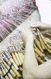 Γυναίκες που ράβουν με το χέρι Στοκ φωτογραφία με δικαίωμα ελεύθερης χρήσης