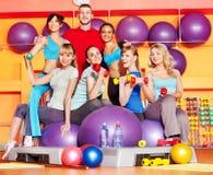 Γυναίκες στην κλάση αερόμπικ. Στοκ εικόνα με δικαίωμα ελεύθερης χρήσης