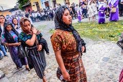 Γυναίκες στην πομπή της Κυριακής φοινικών, Αντίγκουα, Γουατεμάλα Στοκ Εικόνες