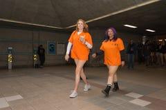 Γυναίκες στον υπόγειο χωρίς εσώρουχα Στοκ φωτογραφία με δικαίωμα ελεύθερης χρήσης
