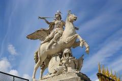Γυναίκες στο άγαλμα αλόγων - Παρίσι Στοκ Φωτογραφίες