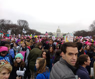 Γυναίκες ` s Μάρτιος στην Ουάσιγκτον, άνδρες Μαρτίου, στις συνάθροιση διαμαρτυρομένων ενάντια στον Πρόεδρο Ντόναλντ Τραμπ, Ουάσιγ Στοκ εικόνα με δικαίωμα ελεύθερης χρήσης
