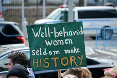 Γυναίκες ` s Μάρτιος στοκ φωτογραφία με δικαίωμα ελεύθερης χρήσης