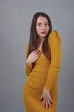 γυναικείες θέτοντας νε&o Στοκ φωτογραφία με δικαίωμα ελεύθερης χρήσης