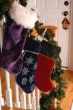 γυναικείες κάλτσες Χριστουγέννων Στοκ Φωτογραφίες