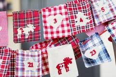 Γυναικείες κάλτσες Χριστουγέννων για τα δώρα - κλείστε επάνω Στοκ εικόνα με δικαίωμα ελεύθερης χρήσης