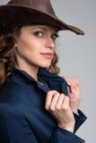γυναικείες νεολαίες καπέλων κάουμποϋ Στοκ Φωτογραφία