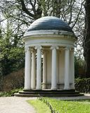 Γυναικείος Alice's ναός σε Hillsborough Castle και κήποι Ιστορικά βασιλικά παλάτια στοκ εικόνες με δικαίωμα ελεύθερης χρήσης