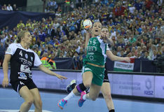 ΓΥΝΑΙΚΕΣ EHF CHAMPIONS LEAGUE ΤΕΛΙΚΌ € «GYORI AUDI ETO KC ΧΑΝΤΜΠΟΛ ΕΝΑΝΤΊΟΝ CSM BUCURESTI Στοκ Εικόνες