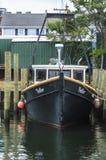 Γυρολόγος αλιευτικών πλοιαρίων που ελλιμενίζεται στην αποβάθρα Ομήρου ` s στοκ φωτογραφίες με δικαίωμα ελεύθερης χρήσης
