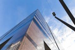 Γωνία του ψηλού κτιρίου γραφείων Στοκ Εικόνα