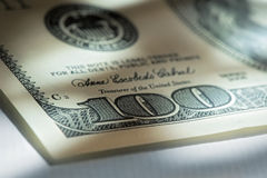 Γωνία των λογαριασμών εκατό δολαρίων. Στοκ Φωτογραφίες