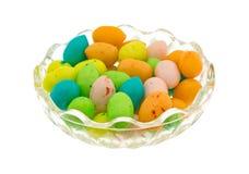 Γόμμα φυσαλίδων αυγών Πάσχας σε ένα μικρό κύπελλο Στοκ Εικόνα