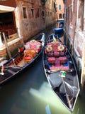Γόνδολες στη Βενετία, Ιταλία Στοκ φωτογραφία με δικαίωμα ελεύθερης χρήσης
