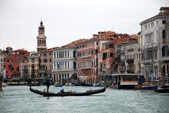 Γόνδολα στο κανάλι ν Βενετία, Ιταλία Στοκ Φωτογραφία