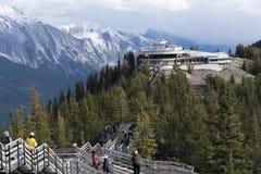 Γόνδολα Banff βουνών Sulfer και κέντρο παρατήρησης Στοκ εικόνα με δικαίωμα ελεύθερης χρήσης