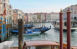 γόνδολες Βενετία καναλ& Στοκ Φωτογραφία