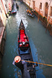 Γόνδολες στο κανάλι στη Βενετία, Ιταλία Στοκ φωτογραφία με δικαίωμα ελεύθερης χρήσης