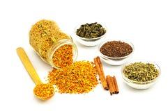 Γύρη και αρωματική ουσία μελισσών Στοκ εικόνες με δικαίωμα ελεύθερης χρήσης