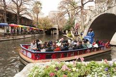 Γύρος βαρκών περιπάτων ποταμών του San Antonio Στοκ εικόνα με δικαίωμα ελεύθερης χρήσης