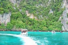 Γύρος βαρκών της Ταϊλάνδης θάλασσας Andaman στοκ εικόνες