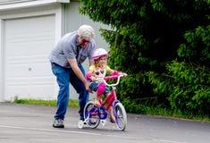 γύρος εκμάθησης ποδηλάτ&omega Στοκ Φωτογραφίες