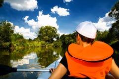 Γύρος καγιάκ και ο ποταμός Στοκ εικόνα με δικαίωμα ελεύθερης χρήσης