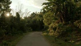 Γύρος μηχανικών δίκυκλων στην περιοχή Pokhara, του Νεπάλ απόθεμα βίντεο