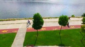 Γύρος ποδηλάτων της Ιστανμπούλ goldenhorn απόθεμα βίντεο