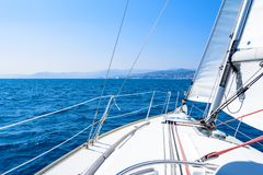 Γύρος στην πλέοντας βάρκα σε Alassio, Λιγυρία, Μεσόγειος, Ita στοκ εικόνα