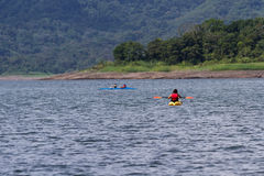 Γύρος Kayaking της λίμνης Arenal Στοκ φωτογραφία με δικαίωμα ελεύθερης χρήσης