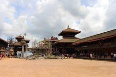 Γύρω από την πλατεία Bhaktapur Durbar κάτω από την αναδημιουργία, η ΟΥΝΕΣΚΟ στοκ εικόνες