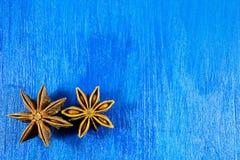 Γλυκάνισο αστεριών στο ξύλινο υπόβαθρο Στοκ εικόνα με δικαίωμα ελεύθερης χρήσης