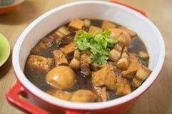 Γλυκά χοιρινό κρέας Palo Khai και Stew αυγών στοκ φωτογραφίες