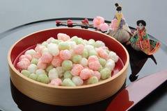Γλυκαμένα κέικ ρύζι-αλευριού για την προσφορά στο φεστιβάλ κουκλών ` στην Ιαπωνία Στοκ εικόνες με δικαίωμα ελεύθερης χρήσης